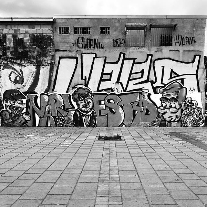 Graffiti En El Marco del Paro Nacional 28A   Av. Américas